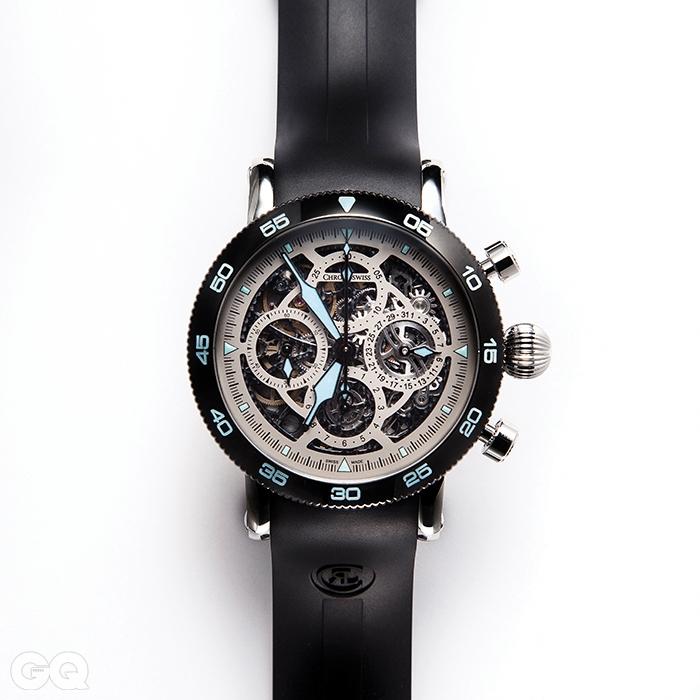 2. 강건한 타임마스터 오토매틱과 우아하고 섬세한 시리우스 크로노그래프 스켈레톤을 융합한 시계. 부서질 듯 섬세한 다이얼은 크로노스위스의 대표작인 오푸스와도 닮았다. 올해 바젤 시계 박람회에 처음 나온 이 시계는 브랜드의 대표작이자 바젤의 기대작으로 등극했다. 타임마스터 크로노그래프 스켈레톤 1천5백20만원, 크로노스위스.