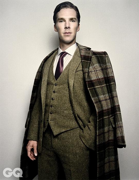 코트와 수트, 셔츠 모두 랄프 로렌 퍼플 라벨.