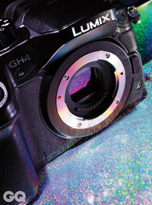 파나소닉 GH44K 동영상 촬영이 가능한 최초의 미러리스 카메라. 1초에 30프레임 이상 촬영이 안 되고, 어두운 곳에서 노이즈가 보인다. 이 두 가지 단점을 제외하면 4K 촬영에서 가장 매력적인 카메라다. 카메라지만 동영상 촬영을 위해 GH시리즈를 구입하는 비디오 그래퍼도 많다. 삼성 NX1이란 강력한 경쟁 제품이 등장했지만 단지 '동영상 촬영의 편의성'만 놓고 본다면 GH4의 우세다. 300퍼센트 크롭을 해도 생생하다.
