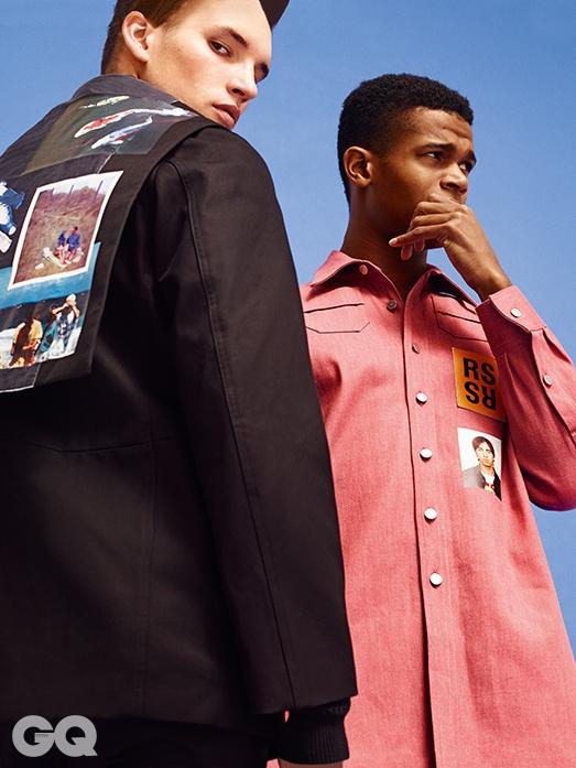 왼쪽부터 | 사진 프린트 점퍼 가격 미정, 핑크 셔츠€430, 모두 라프 시몬스.