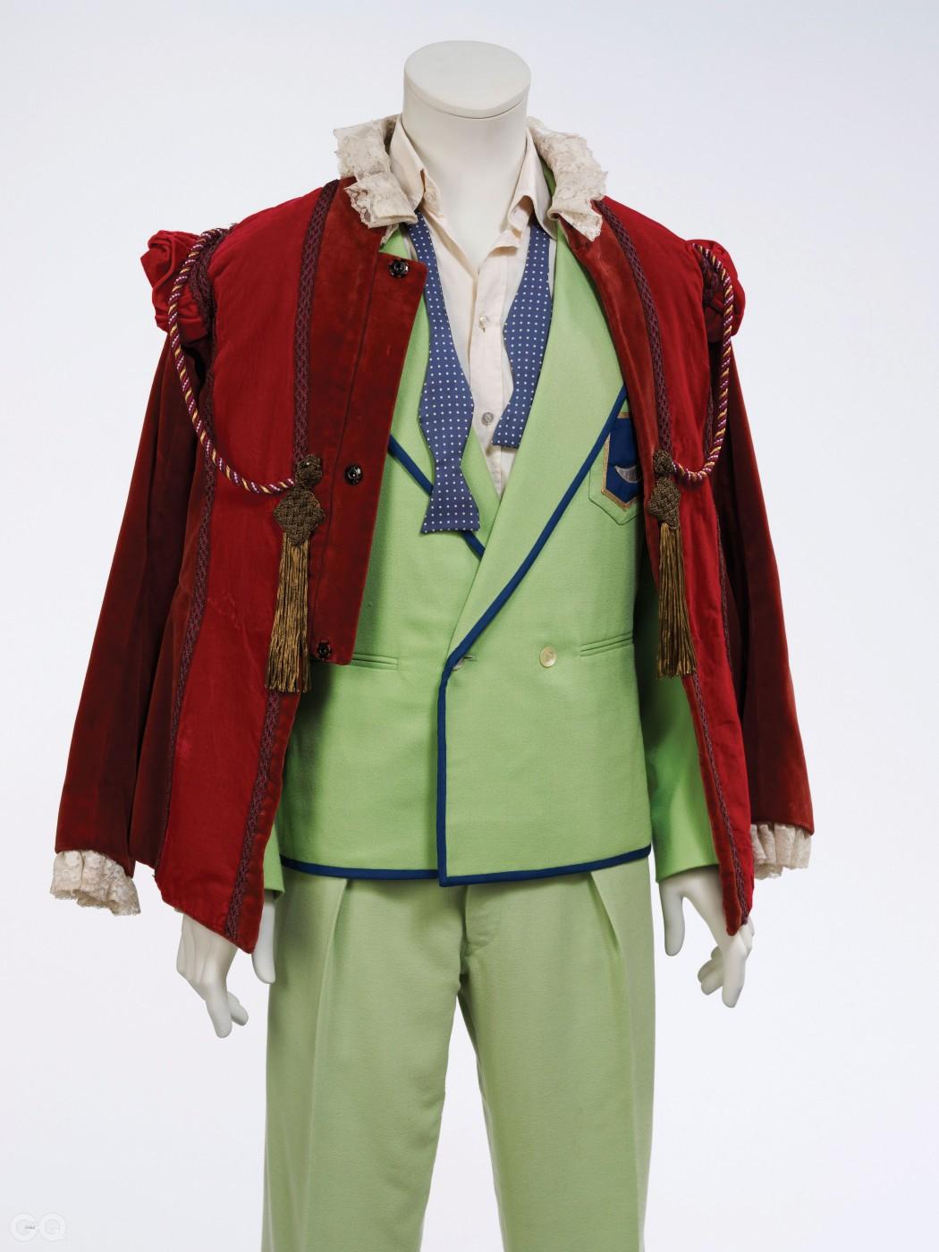 피터 홀이 시리어스 문라이트 투어를 위해 디자인한 라임색 수트.