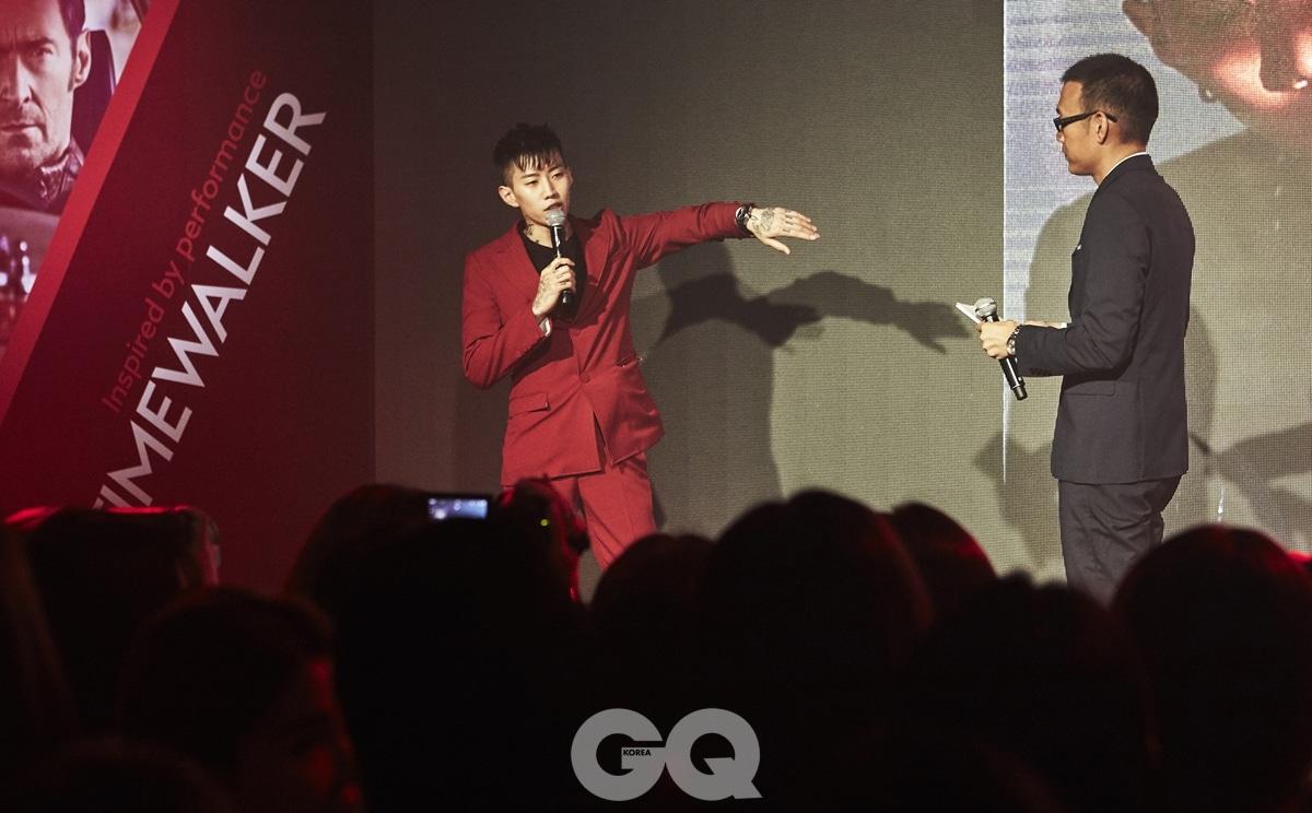 몽블랑 타임워커를 착용한 박재범과 MC를 맡은 김진표.