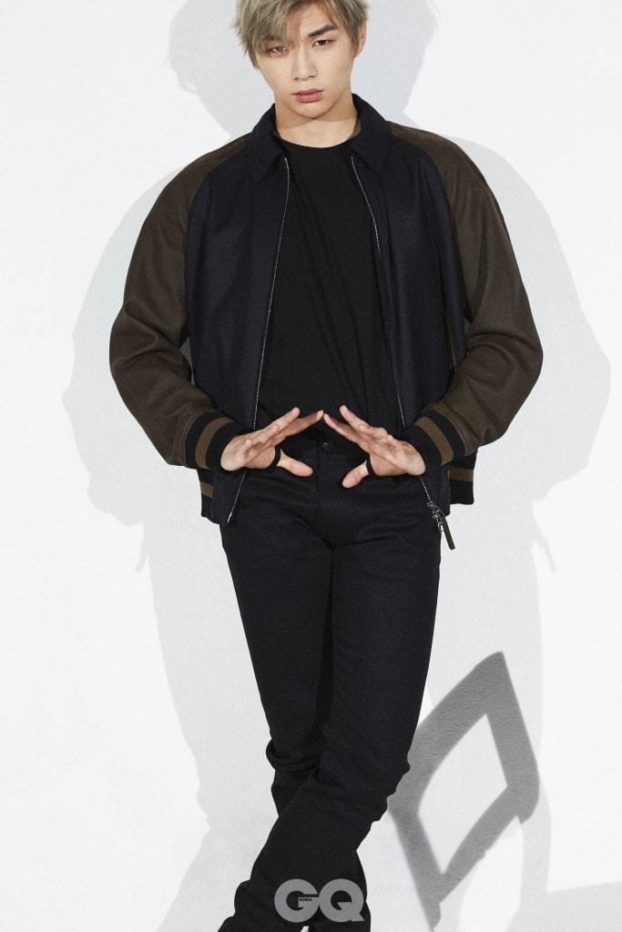 블루종 가격 미정, 루이 비통. 블랙 진 53만원, 버버리. 티셔츠는 빈티지 제품.