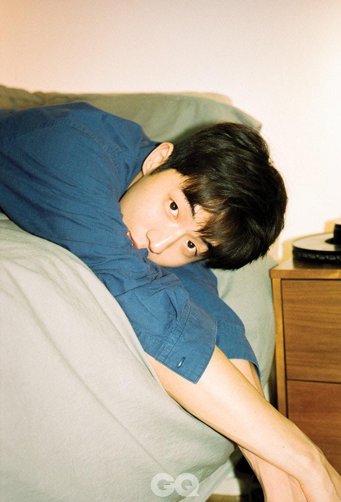 파란색 셔츠, '90s 요지 야마모토 빈티지 by 라일라 토키오.